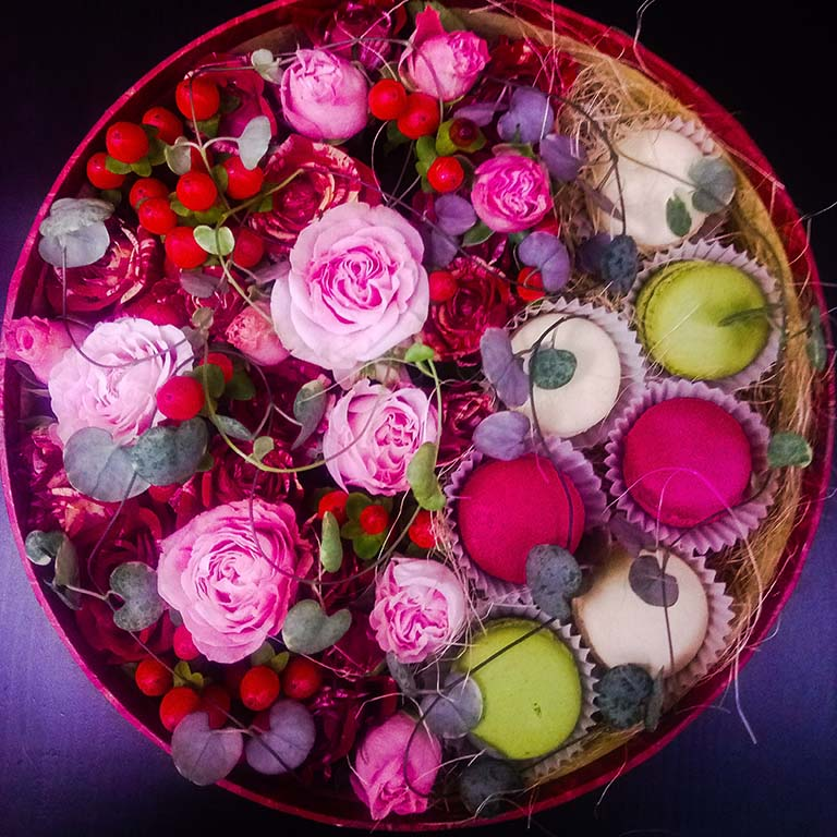 Цветочная коробка «Макаронс»