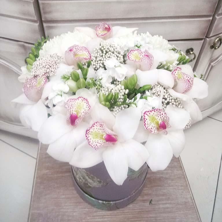 Цветочная шляпная коробка «Орхидея»
